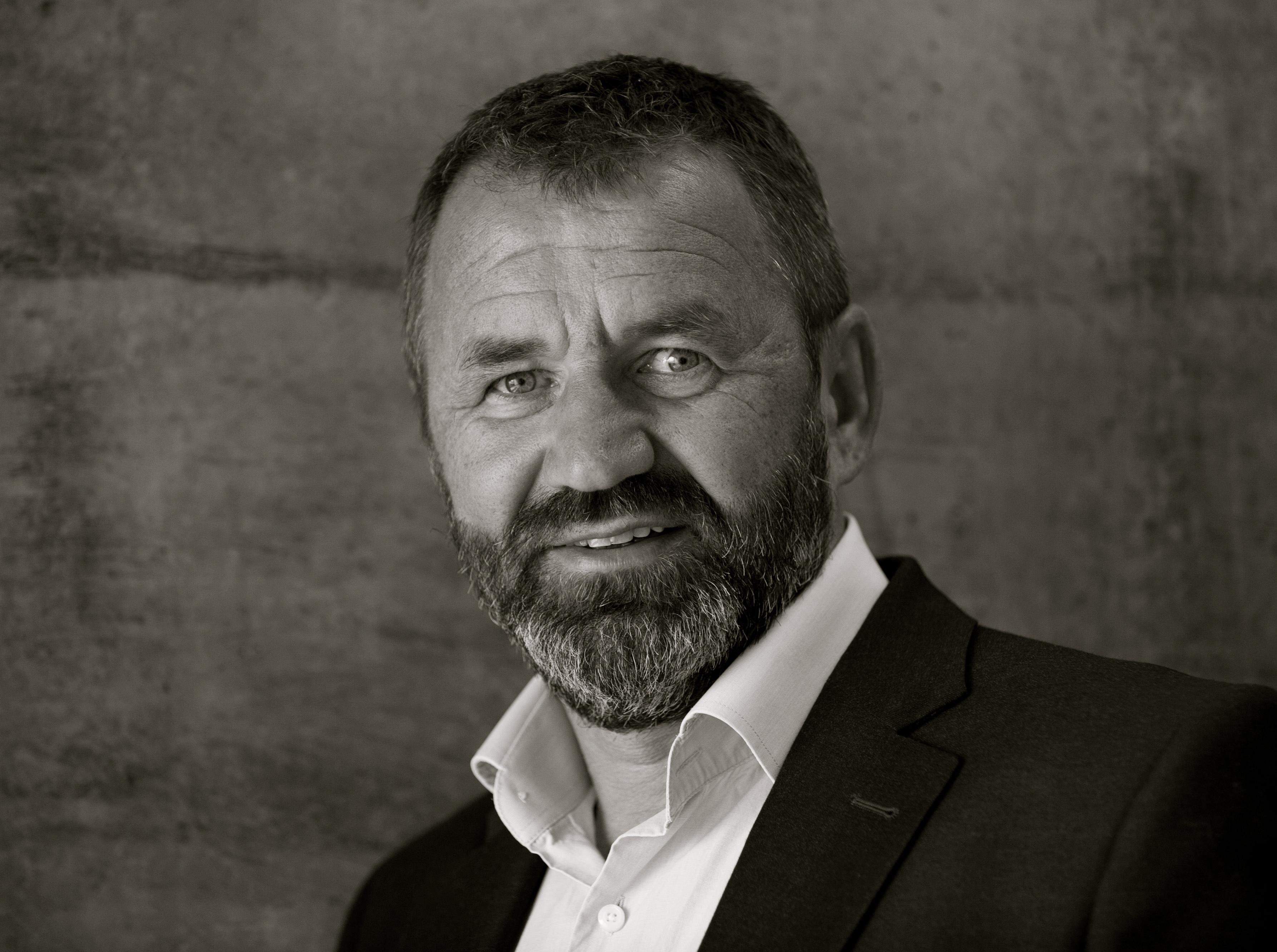 Erik J. Berg